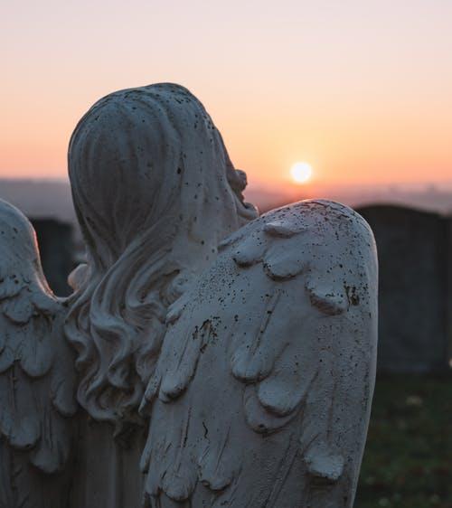 nie umiera kto żyje w pamięci żywych