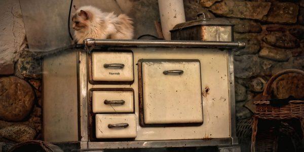 do czego służy szuflada pod piekarnikiem