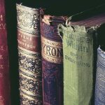 W jaki sposób naprawia się zniszczone książki